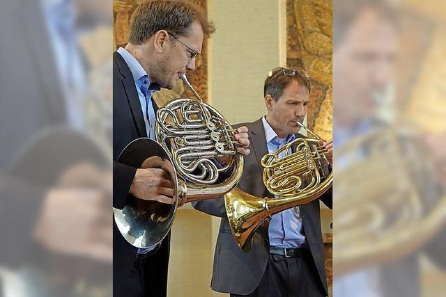 Marktmusik lockt mit harmonischem Hörnerklang