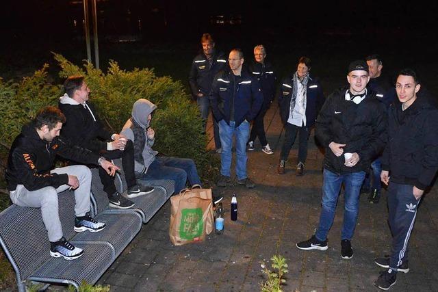Die Rheinfelder Nachtwanderer suchen das Gespräch mit Jugendlichen