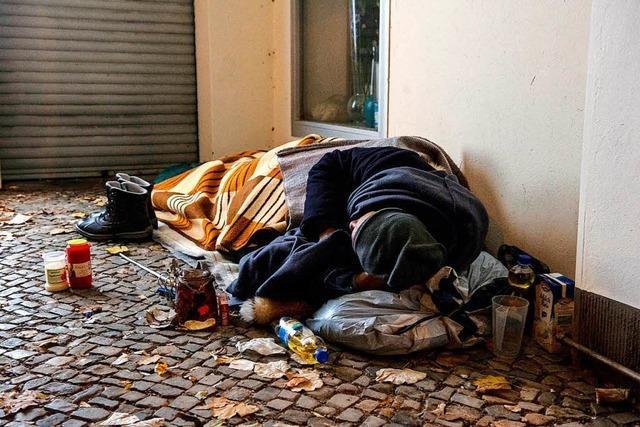 Zwischen Theorie und Praxis: Wie Obdachlose untergebracht werden müssen?