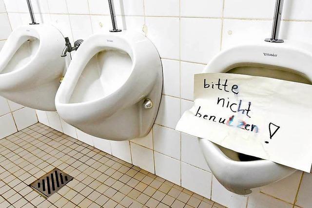 Freiburg legt Programm für Problem-Schulklos auf
