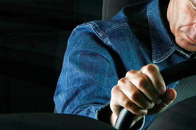 Sekundenschlaf? Geldstrafe nach Unfall mit mehreren Verletzten