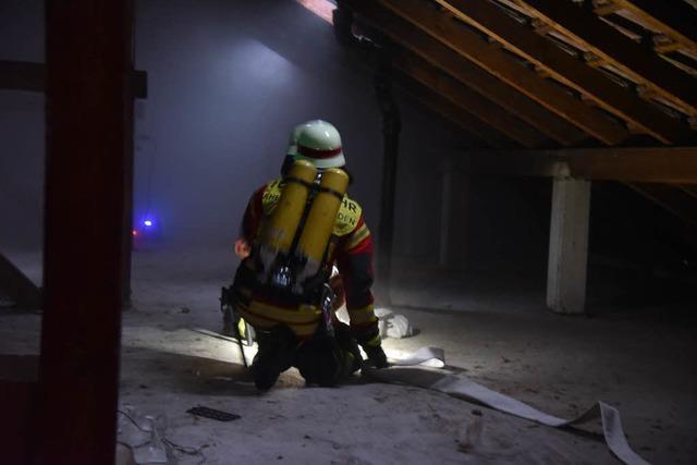 Große Übung der Feuerwehr Rheinfelden beim Bürgerheim