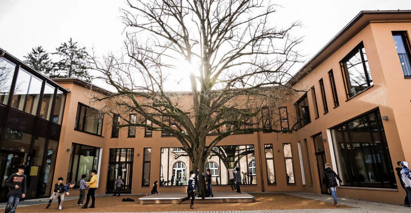 Im besten Licht will sich am Samstag a...r Neubau BiZ-Grundschule präsentieren.  | Foto: Schule