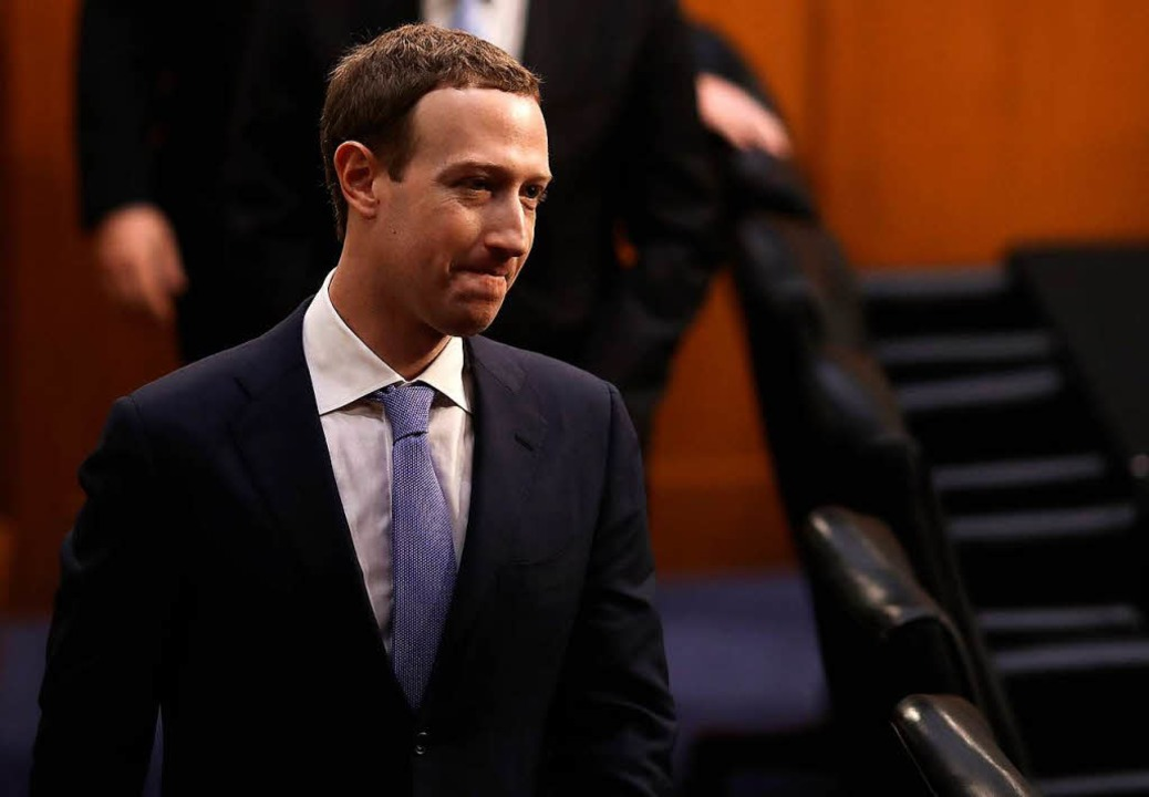 Im Facebook-Datenskandal stellt sich Zuckerberg Fragen vor dem US-Kongress.  | Foto: AFP