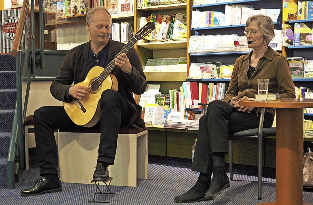 Musiker Wolfgang Hillemann und die Autorin Sabine Huttel   | Foto: J. Geiger