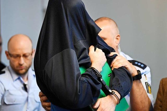 Teninger Mordprozess: Angeklagter soll keine Emotionen gezeigt haben