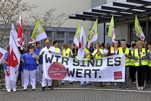 Warnstreik vor dem Spital in Waldshut