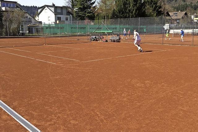 Die Sonne lockt zum Tennis
