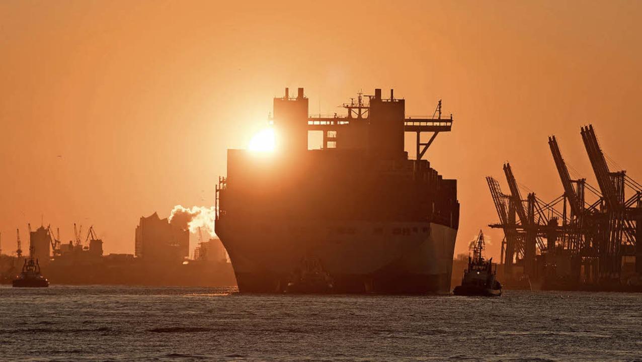 Container- und Kreuzfahrtschiffe verur...BZ-Texttief>-Ausstoß als Deutschland.     Foto: dpa