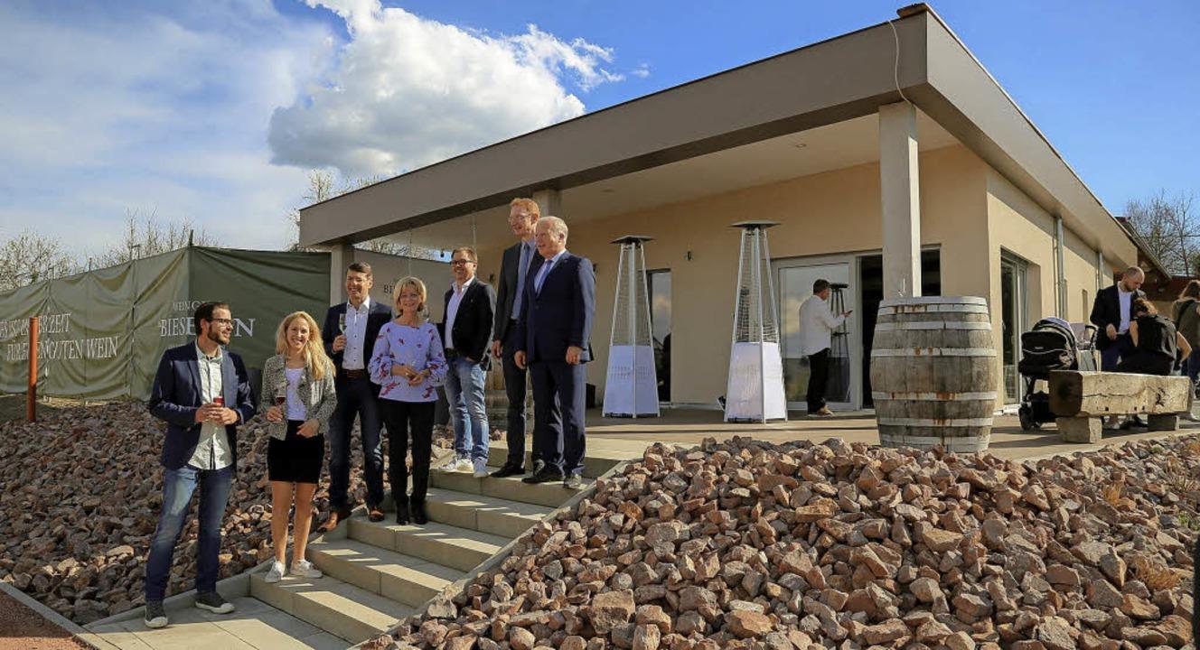Zur Eröffnung des Neubaus des Weingutes Bieslin in Ettenheim kamen Ehrengäste.     Foto: Sandra Decoux-Kone