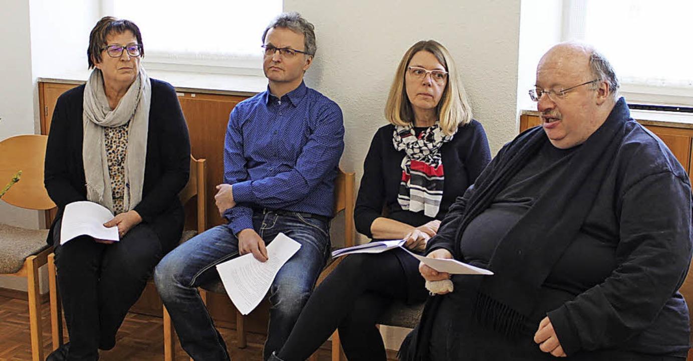 Die Initiatoren einer nachdenklich sti...ozialdienst) und Pfarrer Eckart Kopp.     Foto: Johannes Schanz