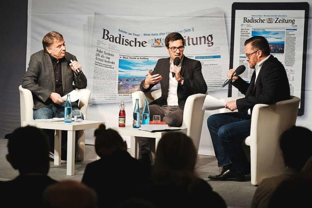 Die Fragen stellten BZ-Redakteur Joach...inks) und BZ-Heimatchef Holger Knöferl  | Foto: Miroslav Dakov