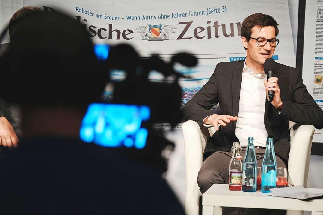 Die BZ uberträgt den Talk mit den Kandidaten live im Internet.  | Foto: Miroslav Dakov