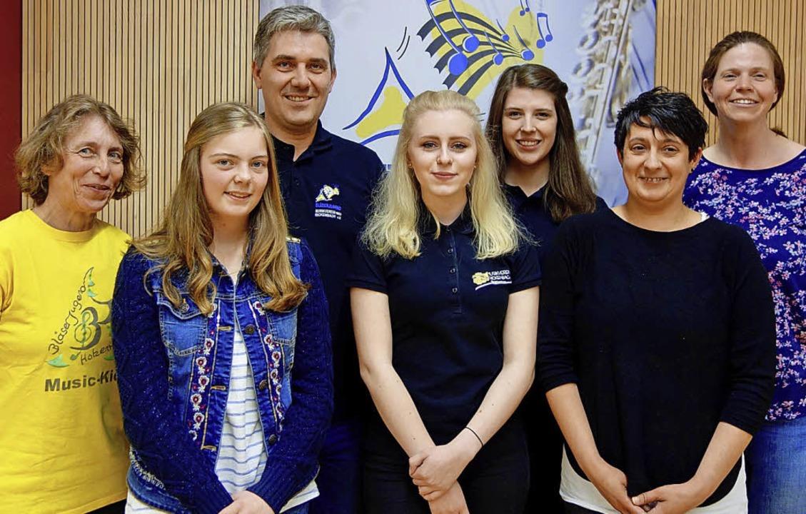 Die neu gewählte Jugendleitung der Blä...er, Ester Sabo und Christine Kammerer   | Foto: Hans-Jürgen Sackmann