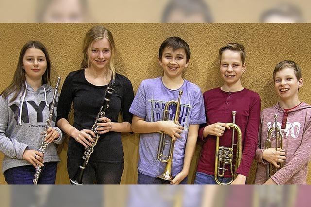Jungmusiker mit Leistungsabzeichen