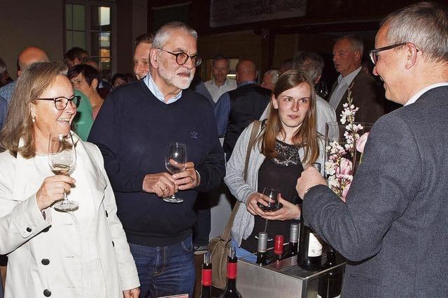 Großer Andrang bei Weinpräsentation