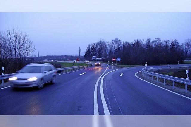 Rote Leuchten warnen Autofahrer