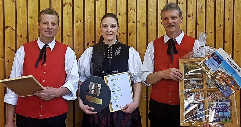 Hubert Dörflinger (links), Karoline We... 105 Jahre aktives Musizieren geehrt.   | Foto: Tina Hättich