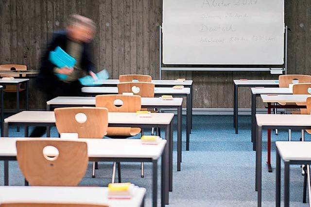 Prüfungspanne: Unterlagen waren bei Lehrkraft zu Hause
