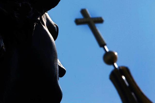 Jobvergabe bei Kirchen darf nicht immer von der Konfession abhängig sein