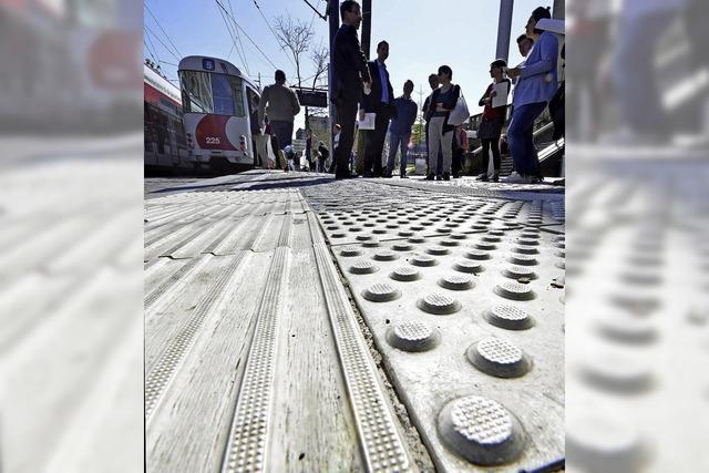 Die Bahnsteige am Stadttheater erhalten ein Leitsystem für Blinde