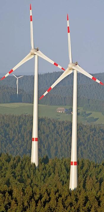 Windräder im Schwarzwald gibt es schon...enkirchen und Münstertal  wohl keine.   | Foto: dpa