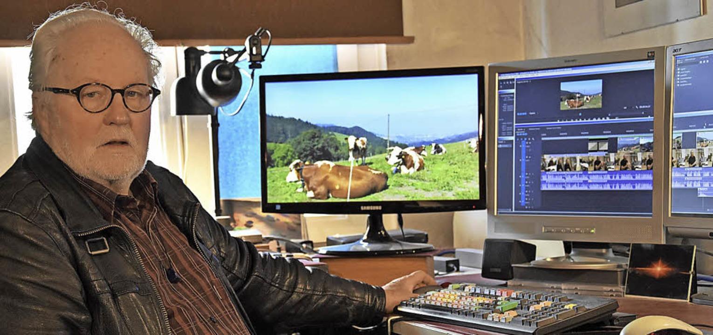 Der Filmemacher Bodo Kaiser bei der Arbeit  | Foto: Jürgen Dettling