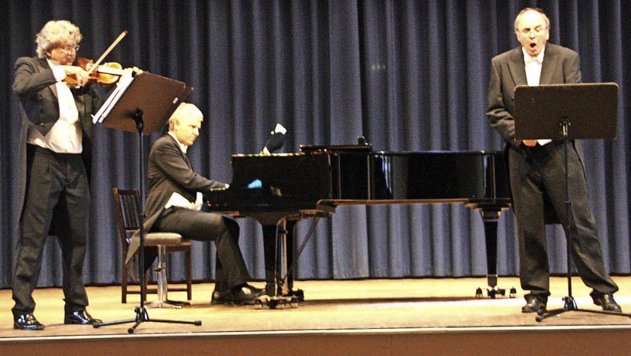 Opernsänger Christian Wunsch gab mit Z...r Violine ein Kammerkonzert im Kurhaus  | Foto: Hans Jürgen Kugler