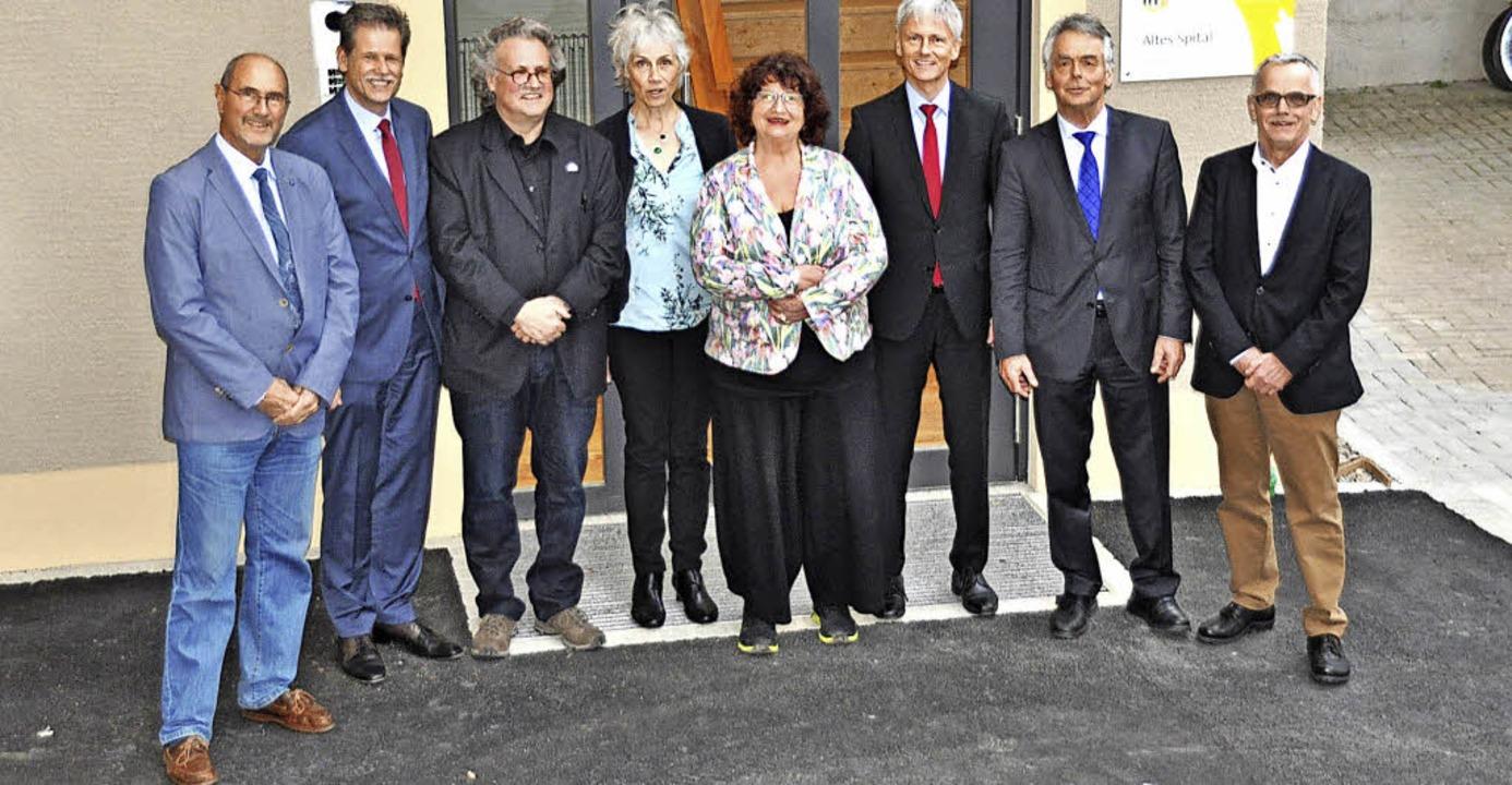 Einige Repräsentanten der gelungenen S...acher (links) von der Bürgerstiftung.   | Foto: R. Ruther