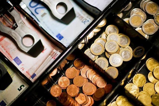 Bürgermeister Tobias Benz erklärt die Finanzlage in Grenzach-Wyhlen