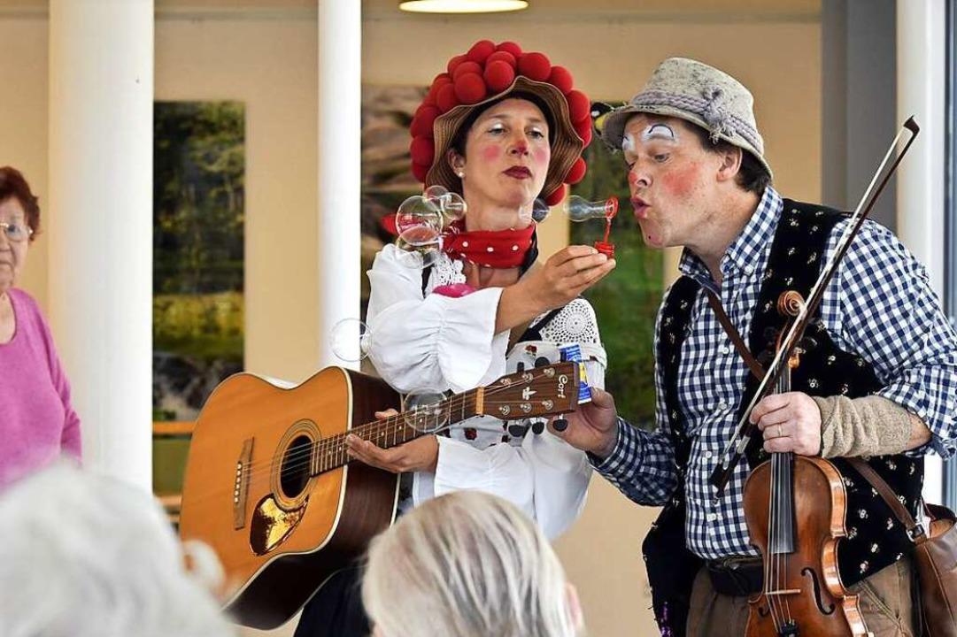 Olaf Creutzburg und Christine Weber tr...hier im Blindenheim an der Karlstraße.  | Foto: Thomas Kunz