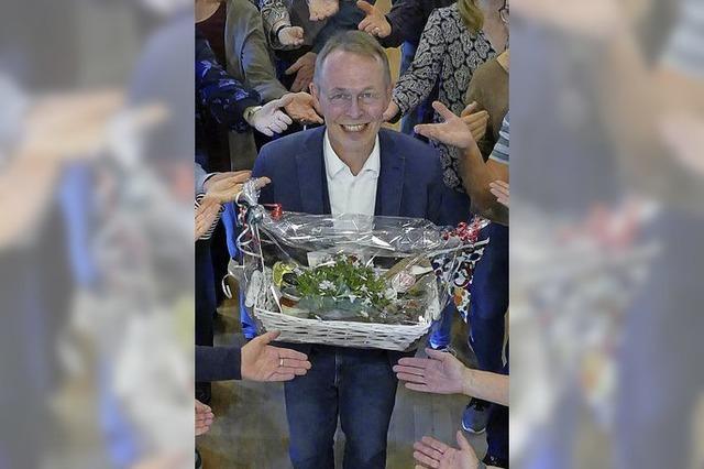 Gesangverein ehrt Dirigent Karl Gehweiler