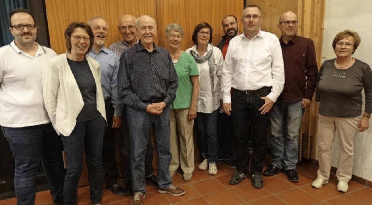 Der neue Vorstand (von links): Beisitz...tsch, Kassenprüferin Renate Schirmer.   | Foto: privat