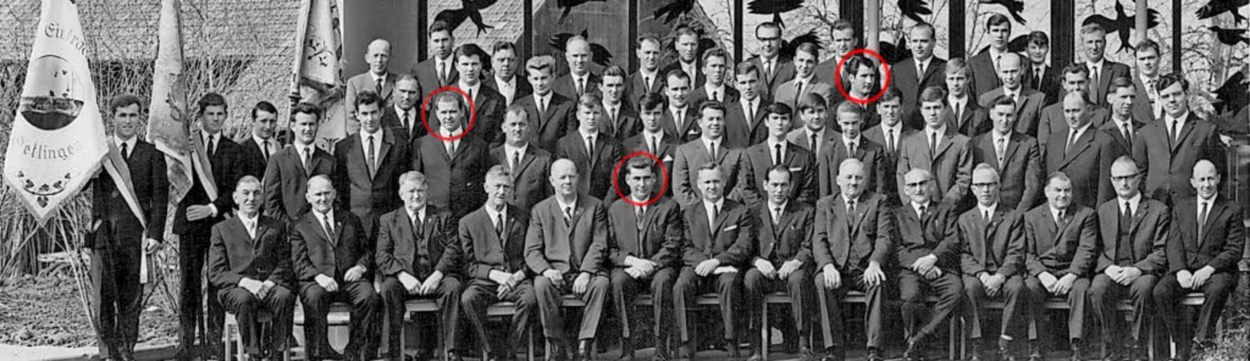 125-Jahr-Feier 1968: Schon damals ware...er (rote Kreise von links) mit dabei.   | Foto: Gesangverein