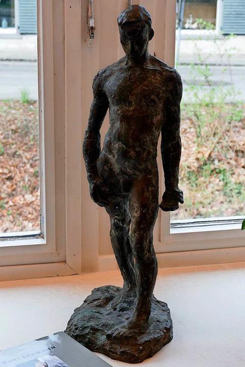 Lehmann-Skulptur im Café-Decker  | Foto: Hans-Peter Müller