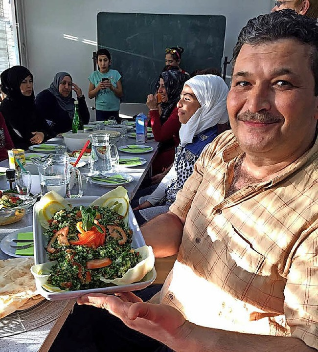 Der regelmäßig stattfindende Kochabend ist beliebt.   | Foto: Privat