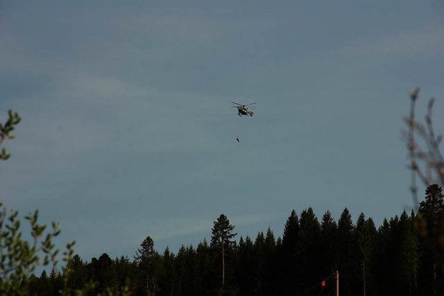 Bergwacht übt im Urseetal mit Polizeihubschrauber