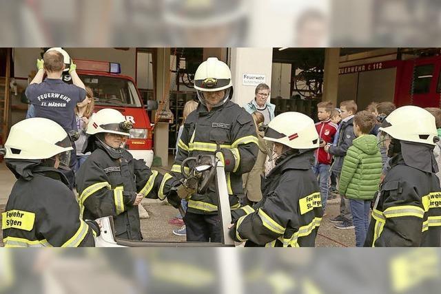 Feuerwehrhaus statt Klassenzimmer