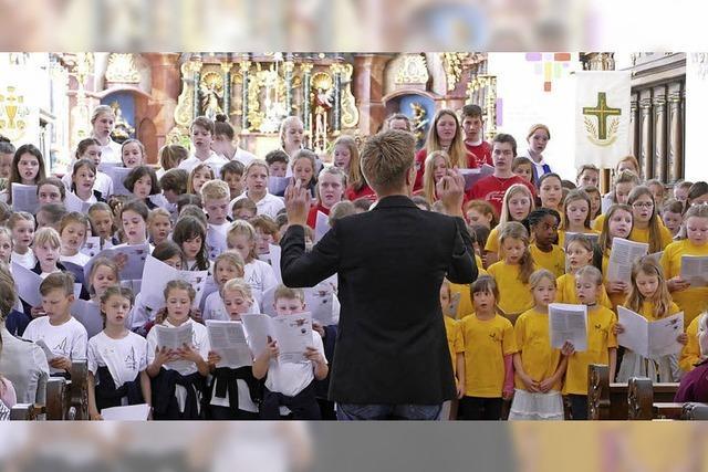 Zarte Stimmen ertönen im Münster