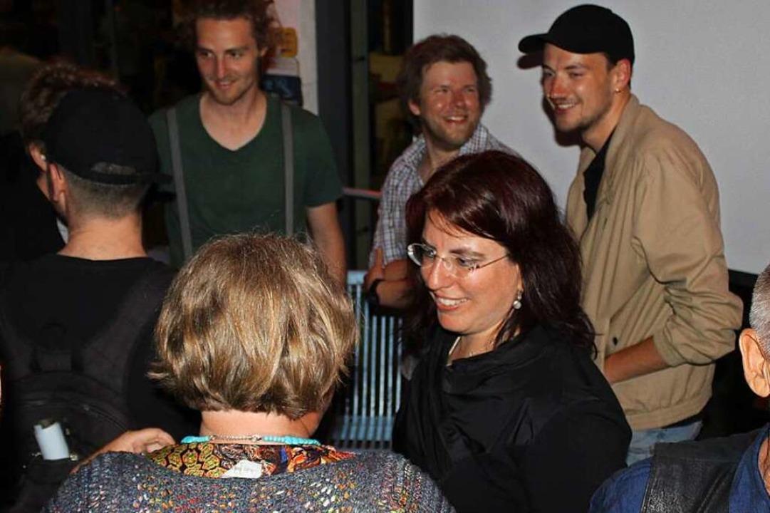 Frohsinn bei der Wahlparty von Monika Stein.    Foto: Joshua Kocher
