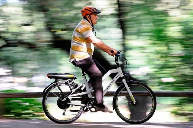 Pedelecfahrer stürzt, Mountainbiker haut ab
