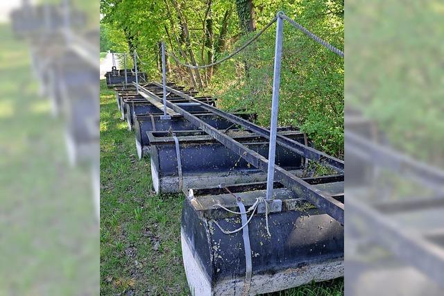Hochwasser beschädigt Steganlage