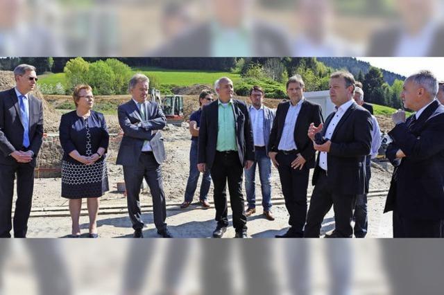 Minister lobt klimaneutrales Wärmekonzept