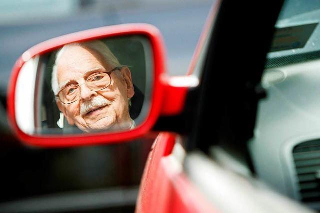 Senior verliert in Lörrach Kontrolle über sein Auto – keine Verletzten