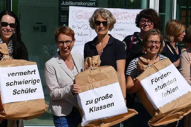 Lehrer protestieren gegen Überlastung