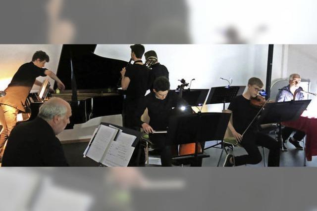 Fünf Verhöre, fünf Uraufführungen