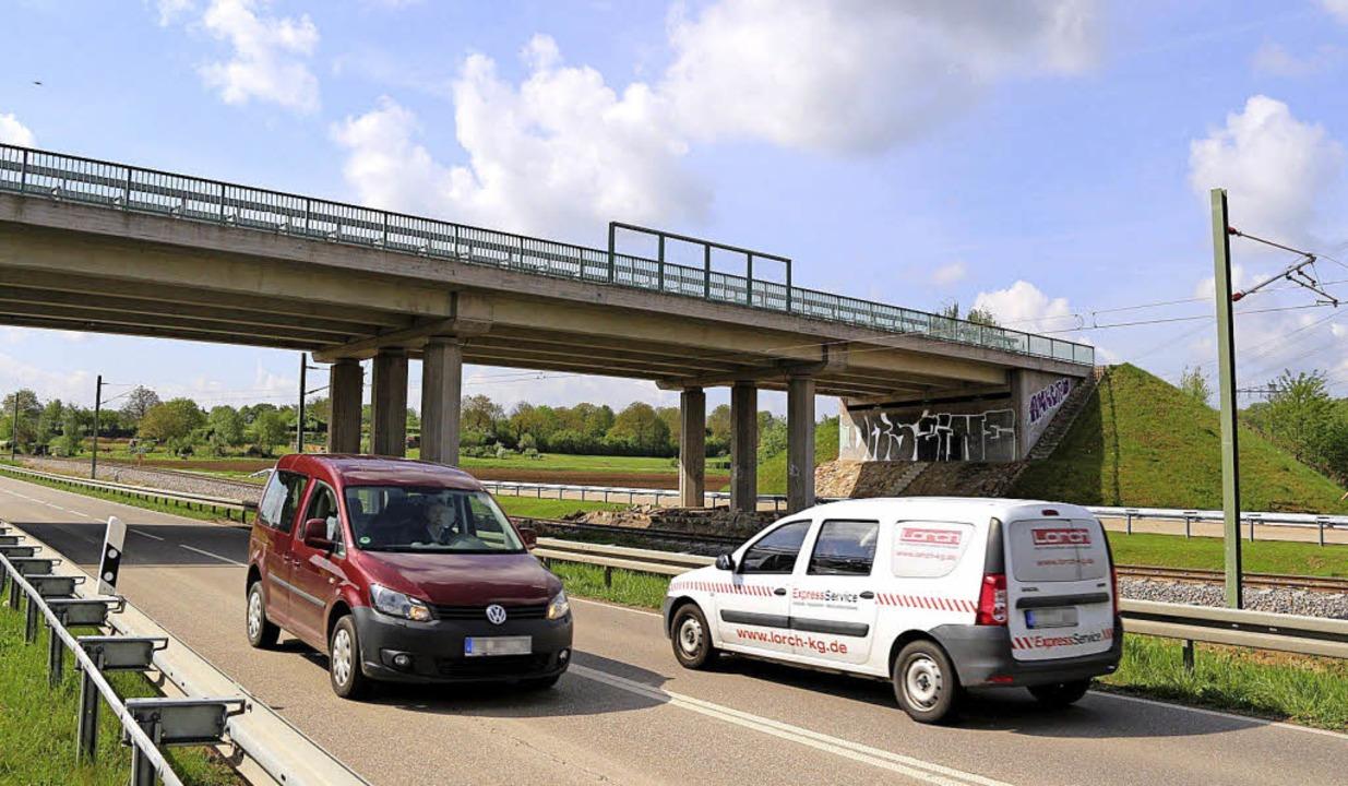 """Die """"Soda-Brücke"""" bei Gott...au nach Breisach würde hier beginnen.     Foto: Horst David"""