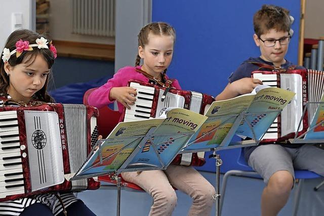 Kinder haben Spaß an der Musik