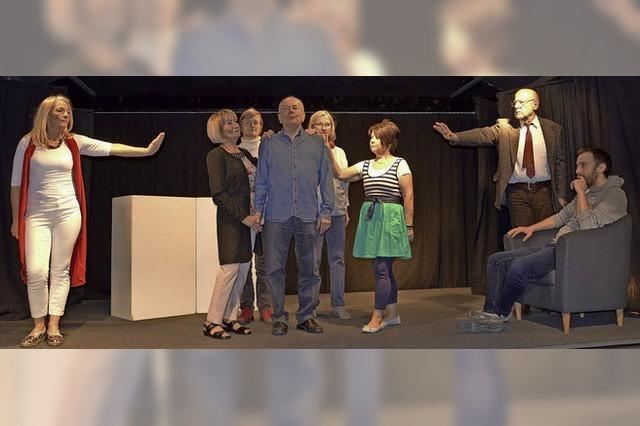 Ensemble Theater unterm Dach führt ab Samstag, 28. April, das Stück