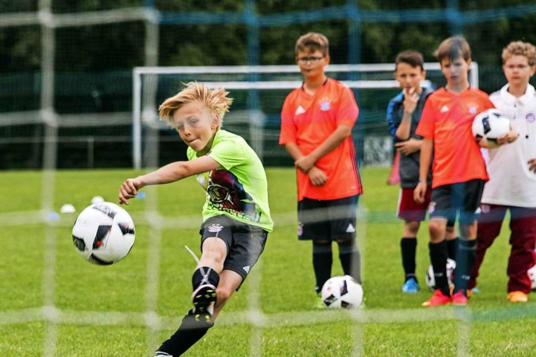 Auf dem Weg zum Fußball-Nachwuchsstar    Foto: Bernhard Rein